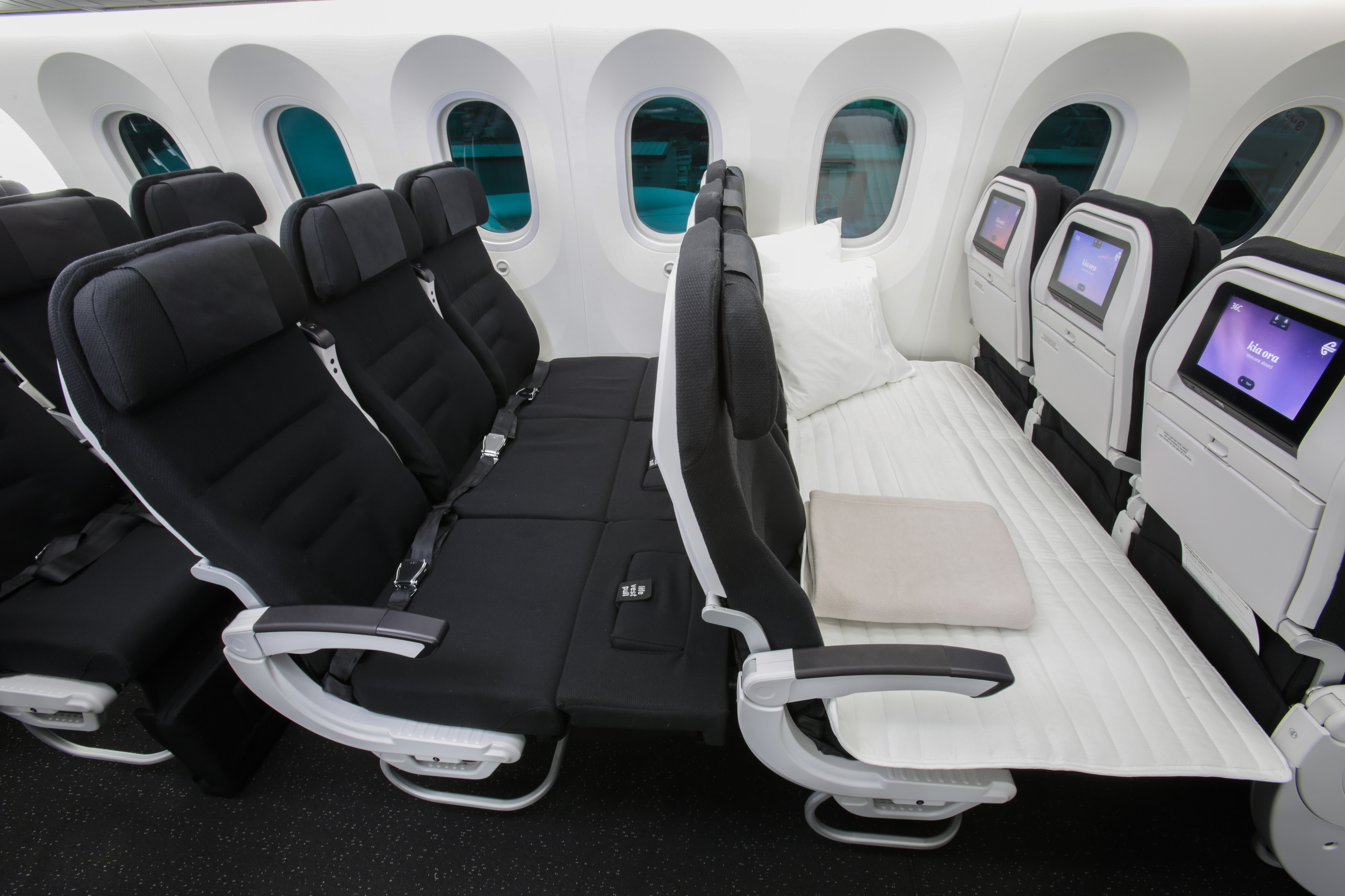 Air new zealand premium economy images Aamna Shariff Photo Gallery - India Forums