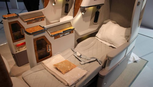 New Emirates Business 777