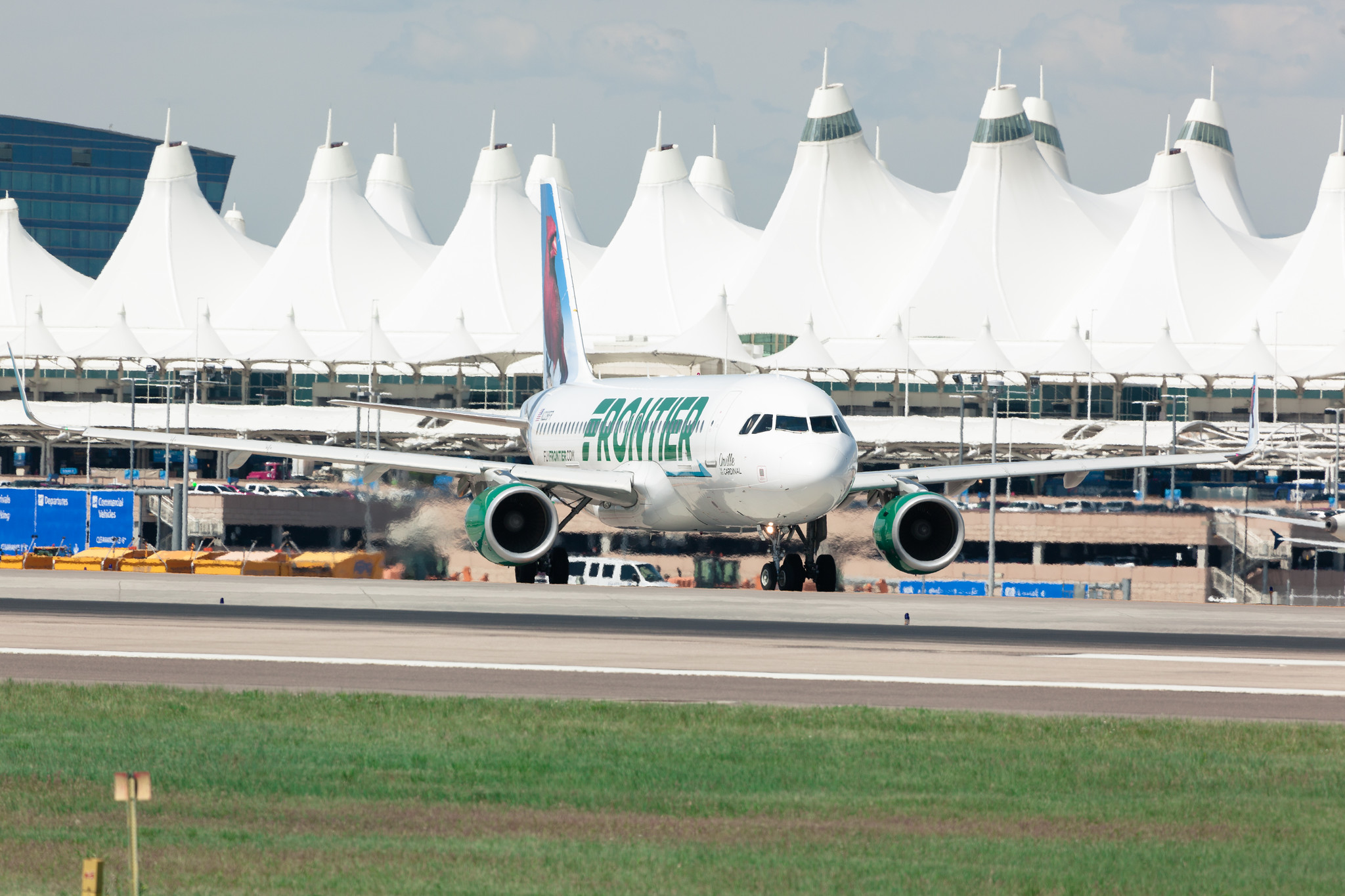 Frontier flight taxiing at its hub in Denver. Image by flydenver.com