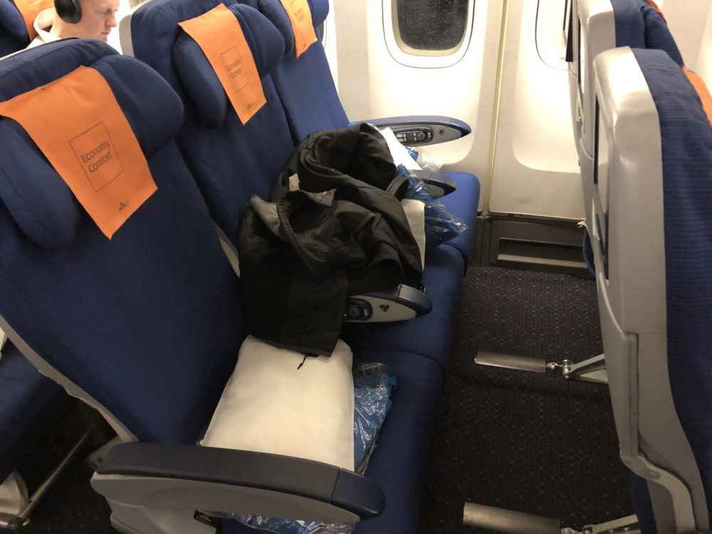 Review: A Delightful Throwback, KLM Economy Comfort On A Boeing 747