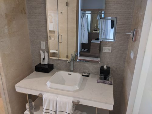 Hyatt Regency Grand Reserve Bathroom